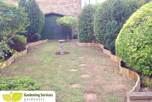 Waterloo garden clean up SE1